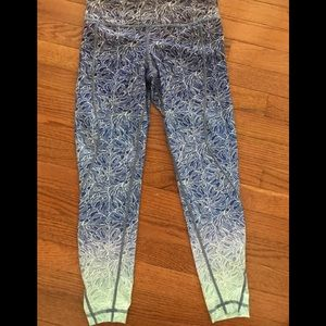 Vineyard Vines Performance Leggings